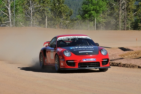 Jeff Zwart on his final qualifying pass. Photo courtesy Porsche