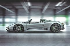 The 3.4-liter V8 in the concept car will eventually be switched for a larger unit. 4.6 liters is the target. Photo: Porsche