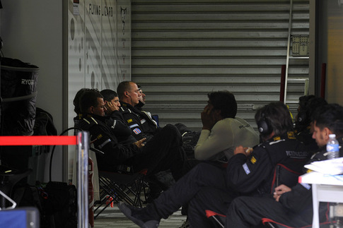 The closed garage is evidence of the retired #81. Note the subdued crew. Photo by Bob Chapman/AutosportImage.com