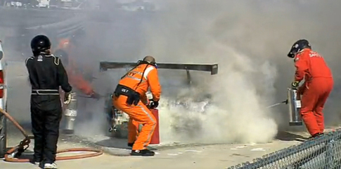 After the hose breaks, the fire crew resorts to fire extinguishers. Photo YouTube
