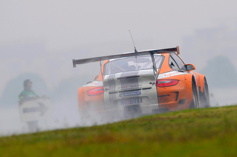 GT3 R Hybrid met with rain during pre-race testing in China 4