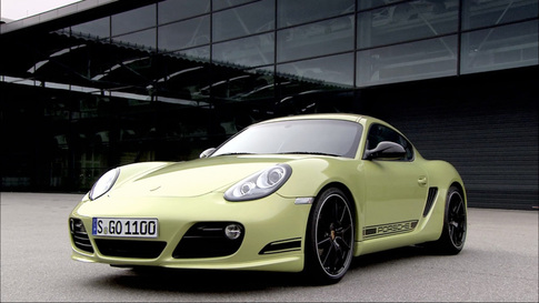 Porsche presents the lightweight Cayman R at the L.A. Auto Show 1