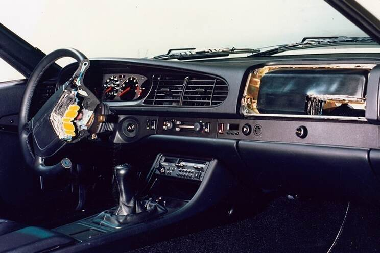 The 1987 U.S. 944 Turbo was the first Porsche and the first vehicle to feature dual airbags as standard equipment.