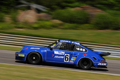 Distinctive liveried Kremer RSR