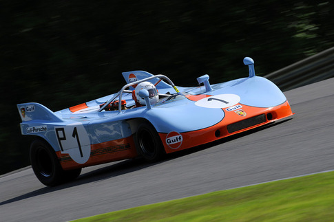 908/3 in Turn 2. Photo by Bob Chapman/AutosportImage.com