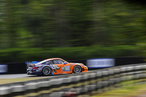 80 Flying Lizard Motorsports – Bergmeister, Long, Luhr (GTE-Pro): Exit of Arnage