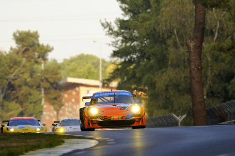 80 Flying Lizard Motorsports – Bergmeister, Long, Luhr (GTE-Pro): Between Mulsanne and Indianapolis