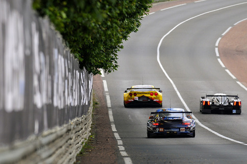 81 Flying Lizard Motorsports – Law, Neiman, Pumpelly (GTE-Am): Mulsanne Straight