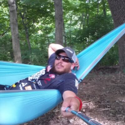 alex from the gear nuts tries out a serac sequoia camping hammock