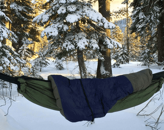 Hammock with underquilt and topquilt.