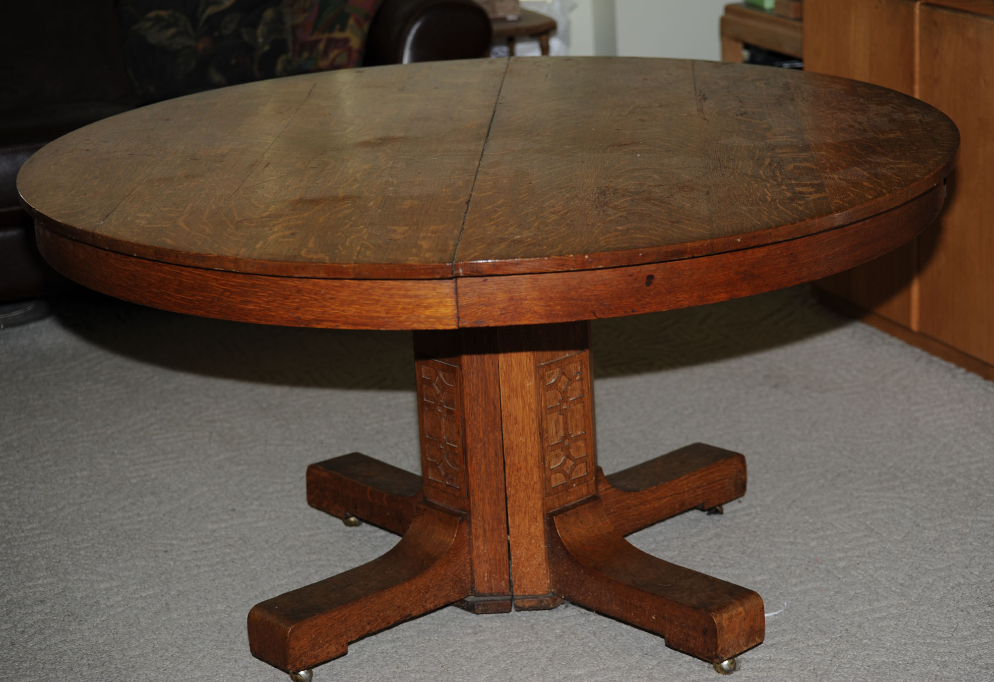 Oak Pedestal Table ~ I have a inch round oak dining table with center pedestal