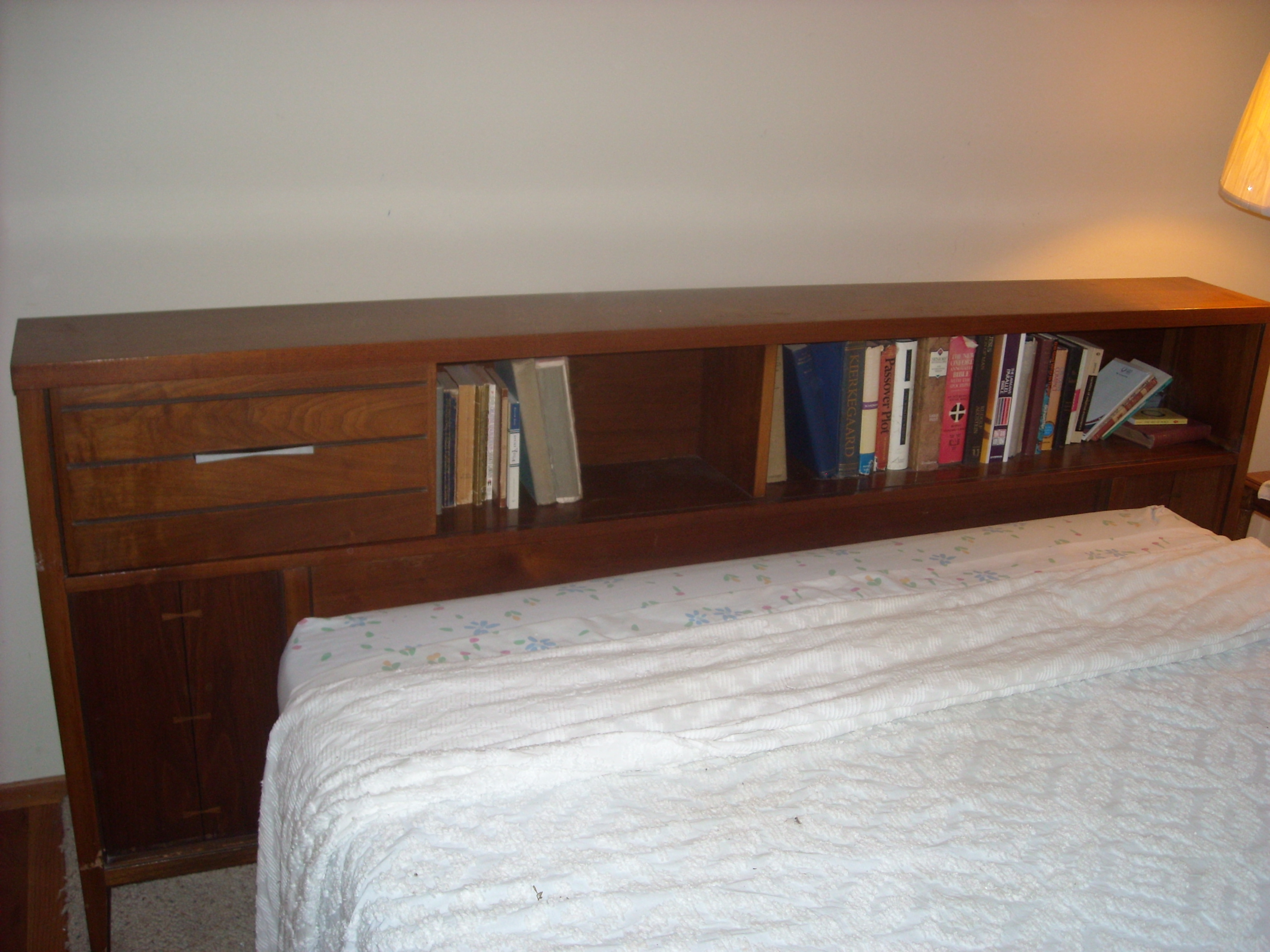 Glenda Looking for value of Lane bedroom set