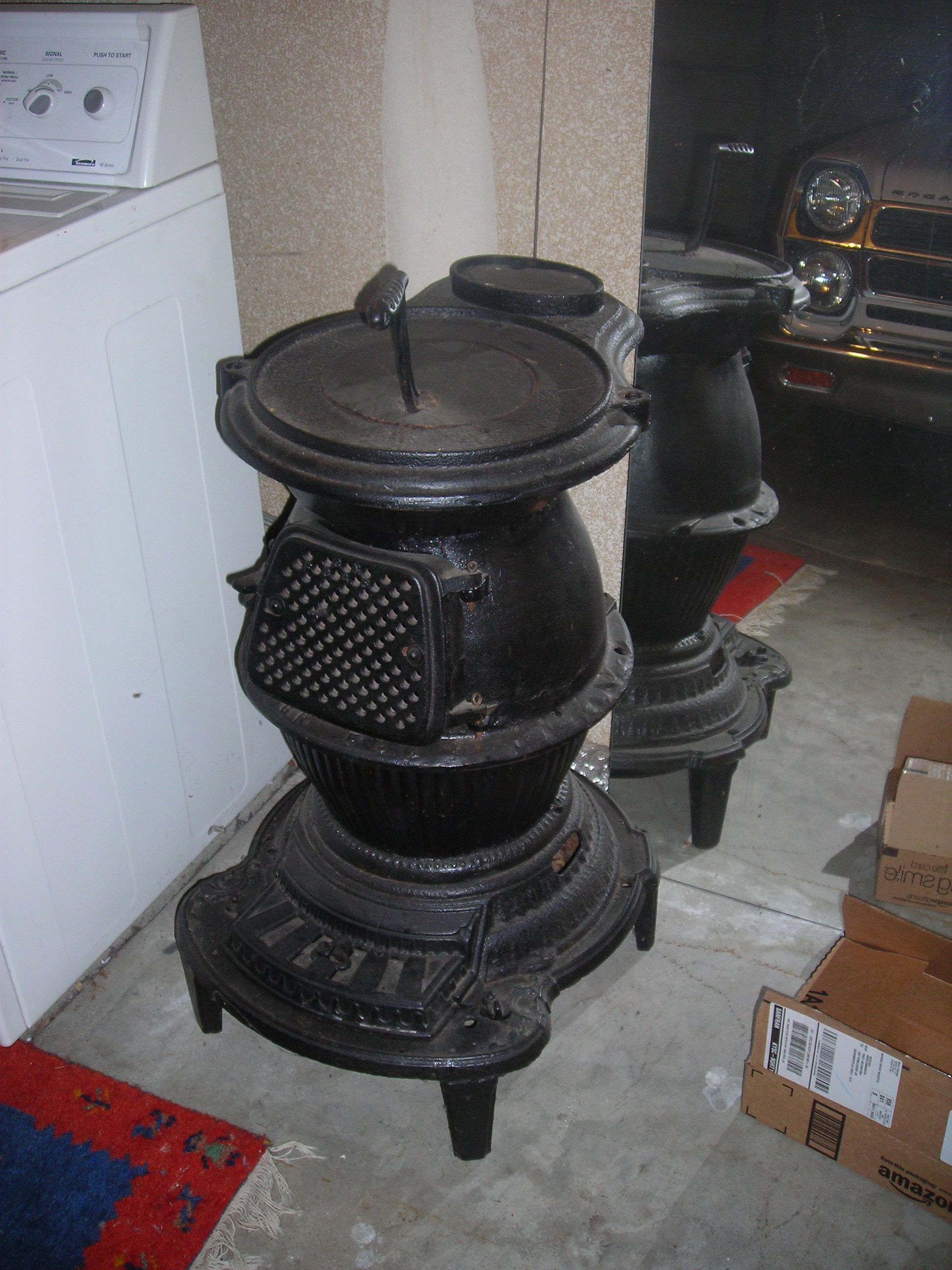 Caboose Pot Belly Stove http://www.justanswer.com/antiques/5ne1e-hi-i-pot-belly-stove-family.html