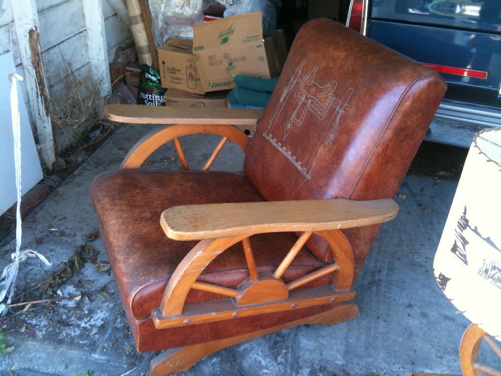 Wagon Wheel Leather furniture set