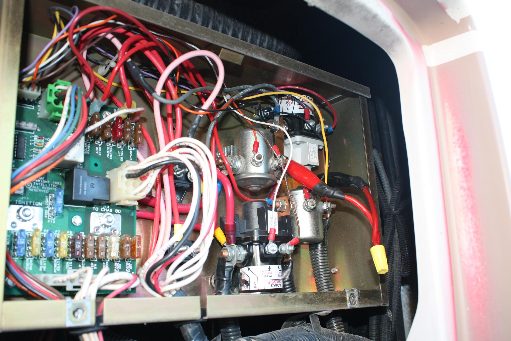 No power to chassis - Need wiring diagrams for 1989 Pace Arrow P30 | Battery Control Center Wiring Diagram |  | Classic Winnebagos and Vintage RVs!