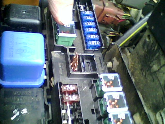2000 Nissan Frontier amp Crew Cab fuse box there