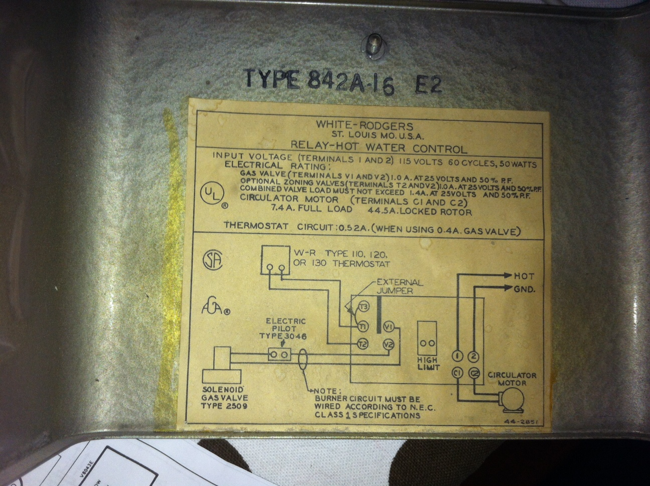 I need to wire 4 Honeywell 8043e zone valves an ancient white – Rth6300b Wiring Diagram