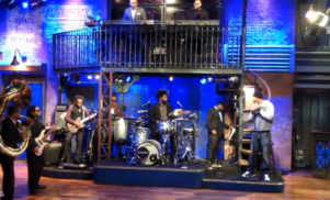 Watch Method Man and the Roots play 'Protect Ya Neck'