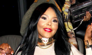 Lil Kim's Lovebox show cancelled following no-show