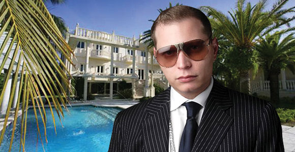 This video of Scott Storch getting his hair cut while making a beat is everything