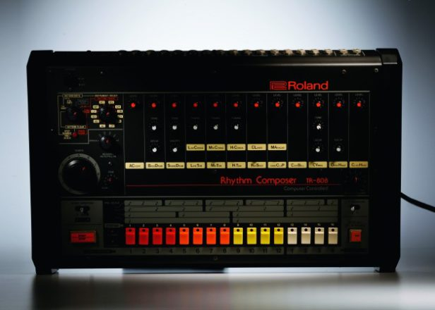 Roland set to revive the classic 808 drum machine in 2014