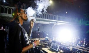 Snoop Dogg to tour UK clubs as DJ Snoopadelic