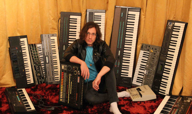 Synth wizard Legowelt crafts free Clapernicus clap synthesizer on Ableton 9 for all your clapping needs