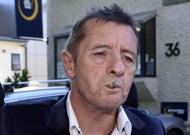 Former AC/DC drummer Phil Rudd back in jail