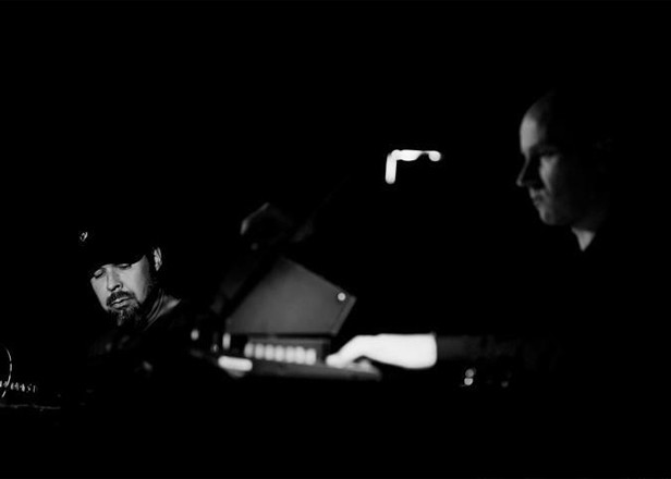 Hear Mika Vainio and Franck Vigroux's collaborative album Peau Froide, Léger Soleil