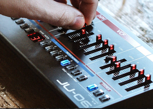 Watch the Roland Boutique synths in action
