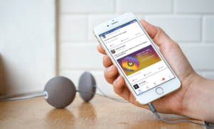 Facebook now plays song clips from Spotify and Apple Music in your News Feed