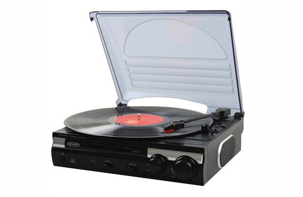 Amazon sold more turntables than any other audio product this Christmas