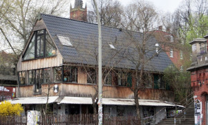 Crowdfunding campaign launched to save Hamburg's Golden Pudel