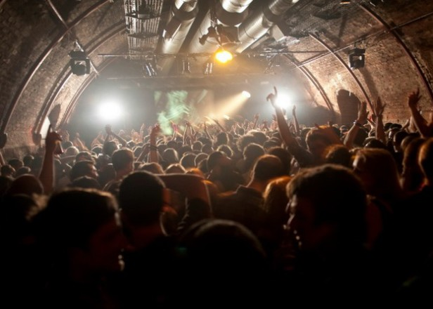 Young Brits prefer staying in to going out to clubs, survey suggests
