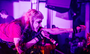 "Grimes asks Dublin venue not to fire sound engineers after on-stage ""electrocution"""