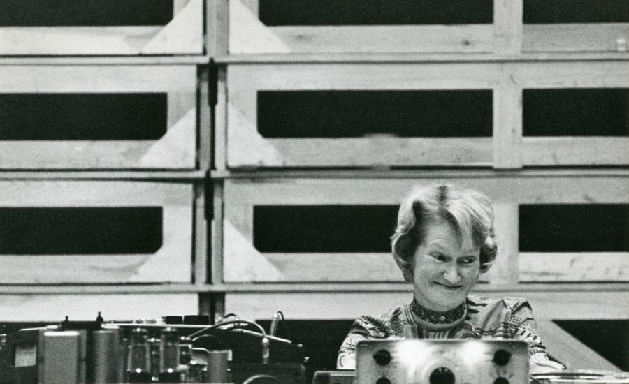 Daphne oram four aspects of critical thinking