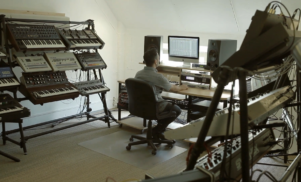 Inside Vintage Synthesizer Studio: Handwerk Audio