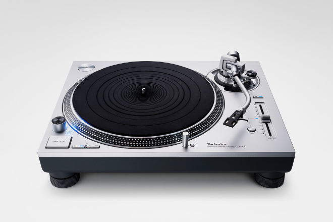 "Technics unveils ""standard"" version of its updated SL-1200 turntable"