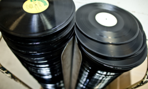 UK vinyl sales at 25-year high, rise of 53% on previous year
