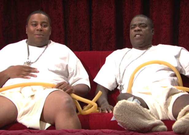 Beyoncé twins are living a life of luxury inside her womb in new SNL skit