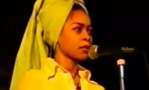 Watch Erykah Badu's first open mic performance from 1995