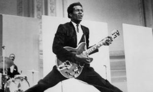Legendary rock 'n roll pioneer Chuck Berry dies at age 90