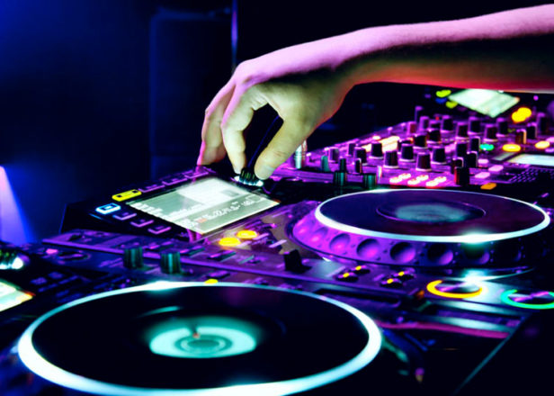 Beginners DJ class at local school broken up by police after turning into massive 3am rave