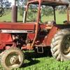International 385 tractor   - Machinery & Equipment