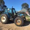 Tractor New Holland / Ford 8560 with MX loader