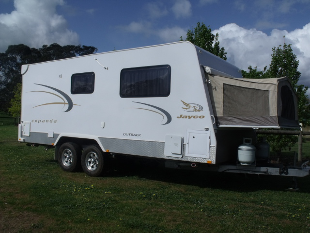 Popular IF YOU NEED MORE INFO PLEASE DO NOT HESITATE AND ASK!!!!! $14200 FINAL PRICE DELIVERED ANYWHERE IN AUSTRALIA, URGENT SALE !!!! 2008 Jayco Expanda 08m Outback 1857 Caravan Excellent Condition Queen Bed