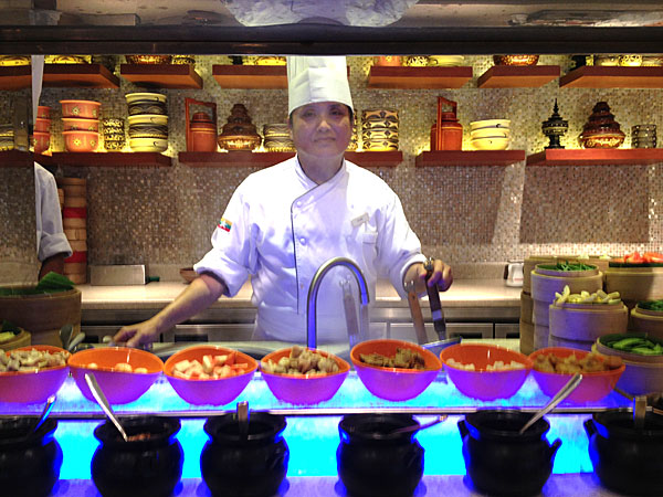 Burmese noodle chef
