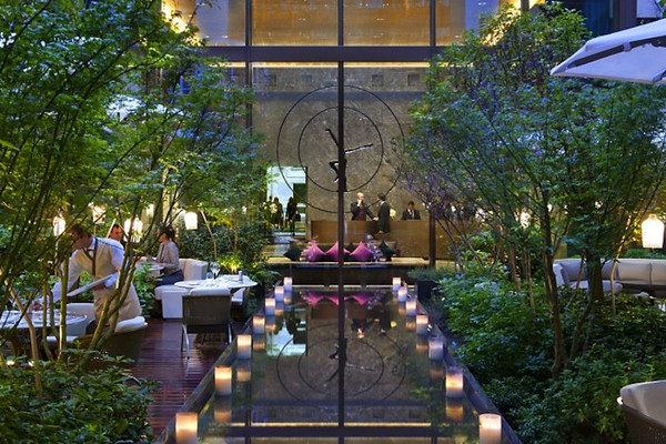 Fathom the mandarin oriental does comfort with a dash of