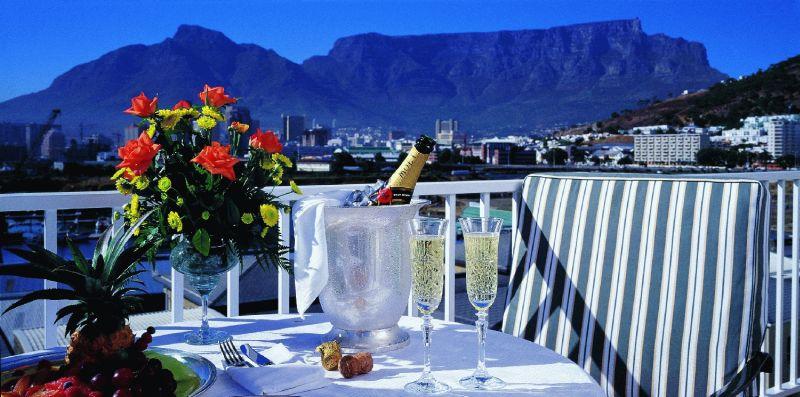 Cape Town - The Commodore Hotel : 4 Star ex Johannesburg