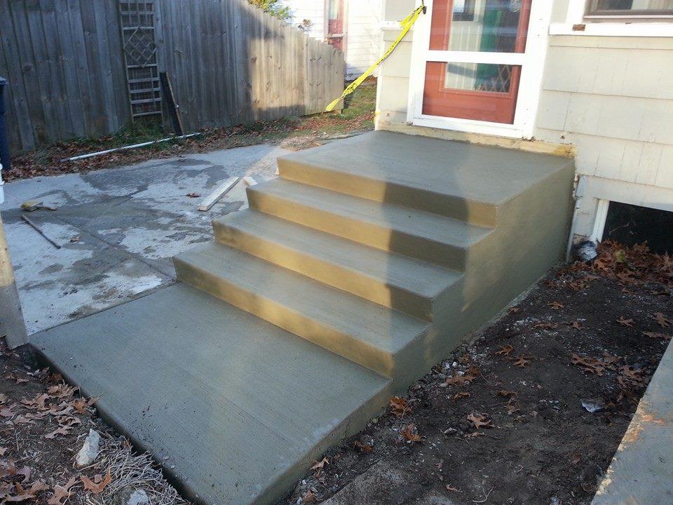 A new concrete patio in Ypsilanti, MI
